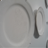 Porcelain plates and figurine - Alfredo Eandrade